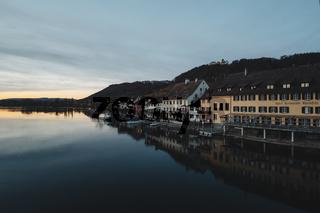 Blick über den Rhein zur Altstadtpromenade von Stein am Rhein