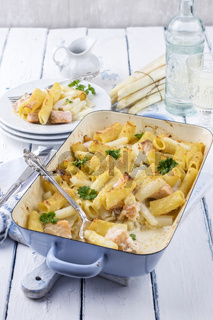 Pasta Bake with Asparagus and Salmon
