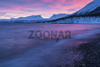 Blick ueber den Tornetraesk zur Lappenpforte, Lappland