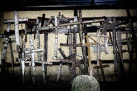 kruzefixe und Kreuze