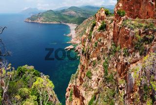 Panoramaaussicht an der Steilküste im Golf von Porto - Korsika