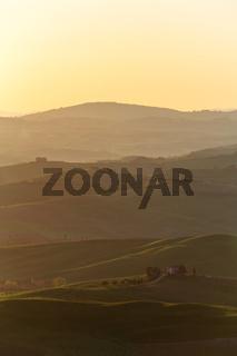 Bauernhaus Weingut nach Sonnenaufgang hoch