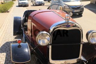 Vorderfront eines Ford Oldtimer