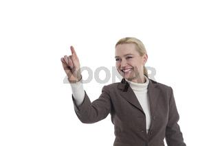 Frau zeigt nach links mit Ihrer Hand