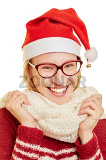 Frau mit Bommelmütze zu Weihnachten