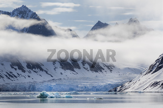 Magdalenenfjord, Blick auf die Gletscherarme, Svalbard, Spitzbergen, Norwegen, Europa /