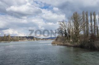 Blick von Eschenz über den Rhein