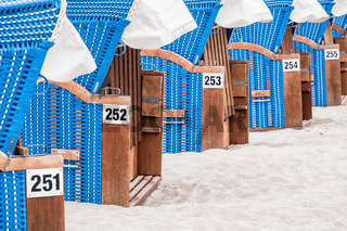 Strandkörbe an der Ostseeküste