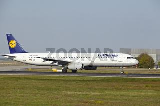 Flughafen Frankfurt - Start eines A321-100 von Lufthansa