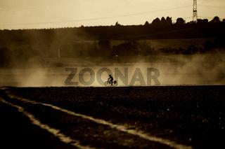 Fahrrad im Staub