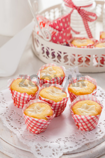 Lemon cupcakes with curd cheese