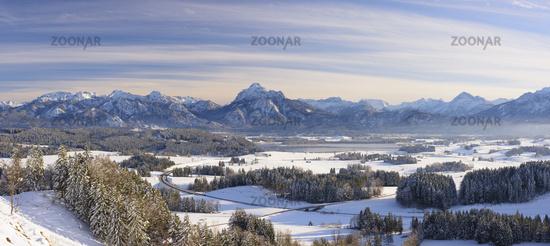 Panorama Winter-Landschaft in Bayern im Allgäu