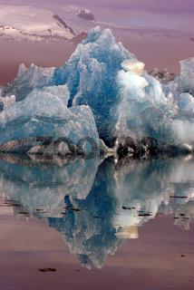 Nebelmorgen an der Gletscherlagune