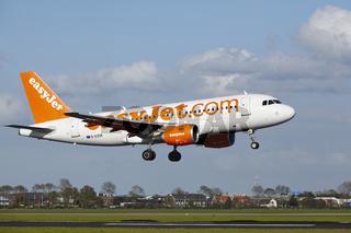Flughafen Amsterdam Schiphol - A319 von EasyJet landet