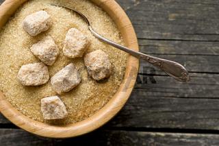 unrefined cane sugar in bowl