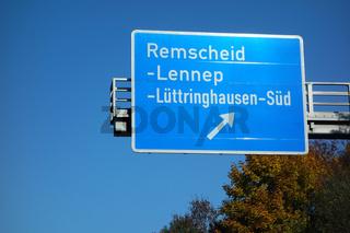 autobahnschild  remscheid-lennep,luettringhausen