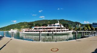 Passagierschiff im Bregenzer Hafen