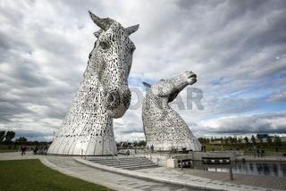 Pferdeköpfe aus Stahl, genannt 'Kelpies' bei Falkirk
