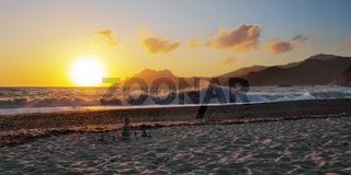 Sonnenuntergang am Strand von Porto - Korsika