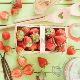 Marmelade aus frischen Erdbeeren einkochen