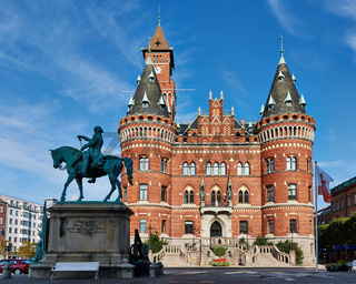 Helsingborgs Rådhus mit Reiterstandbild Magnus Stenbocks, Helsingborg, Hallands Län, Schweden