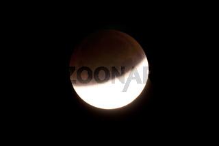 Totale Mondfinsternis am 28.09.2015, beobachtet in Kiel durch ein Teleskop
