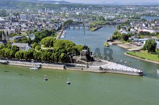 Panorama Deutsches Eck und die Stadt Koblenz, Zusammenfluss Mosel und Rhein, Deutschland