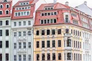 Wiederaufgebaute historische Gebäude-Architektur in der Altstadt von Dresden