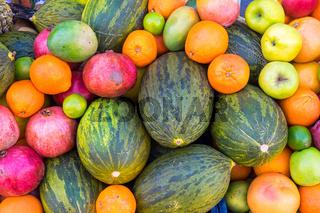 Tropische Früchte auf einem Markt