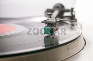 Schallplattenspieler_Tonabnehmer.jpg