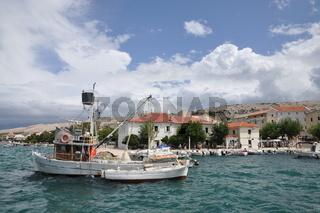 Boote bei Pag, Kroatien