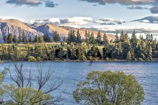 Sonnenuntergang am Lake Wakatipu in der Otago Region bei Queenstown auf der Südinsel von Neuseeland