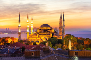 Sultan Ahmet Mosque and the sunset colors, Istanbul, Turkey