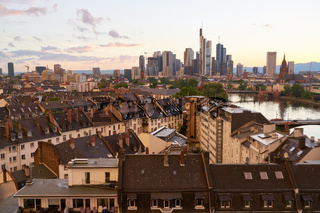 Skyline von Frankfurt am Main abends