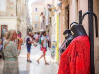 Zadar Straßenszene mit Puppen