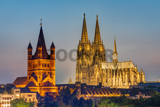 Der berühmte Dom und Groß St. Martin in Köln