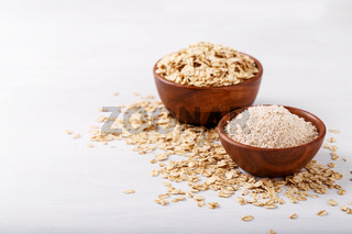 Oat flakes and flour