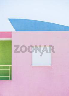 pastellfarbenes haus, postmoderne architektur
