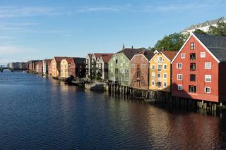 Speicherhäuser am Fluss Nidelv in Trondheim