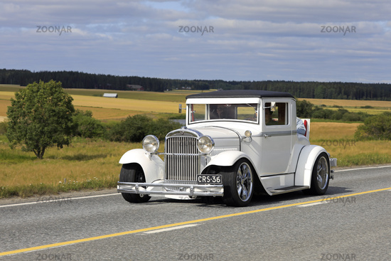White Essex Super Six Classic Car on Drive