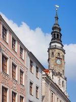 Historische Häuser und Rathausturm in der Altstadt von Görlitz, Sachsen, Germany