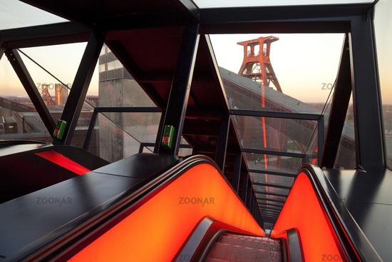 E_Zollverein_Gangway_64.tif