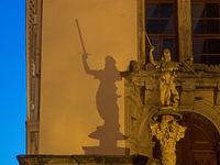 Görlitz, Sachsen, Deutschland: Skulptur Justitia am Rathaus von Görlitz