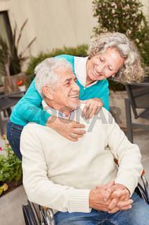 Glückliches Paar in der Reha Klinik
