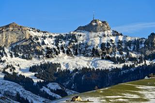 Blick über das winterliche Appenzellerland auf den Gipfel Hoher Kasten,Alpstein,Schweiz