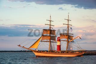 Segelschiff auf der Hanse Sail in Rostock