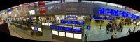 Panorama der Eingangshalle am Wiener Hauptbahnhof