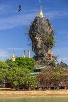 Kyauk Kalap Pagode mit blauem Himmel, Hpa-An