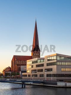 Blick auf die Petrikirche in Rostock