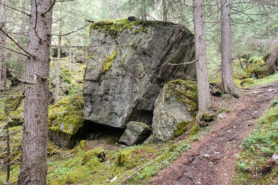 Riesige Felsen im Bergsturzgebiet bei Wiklen Ötztaler Alpen, Österreich